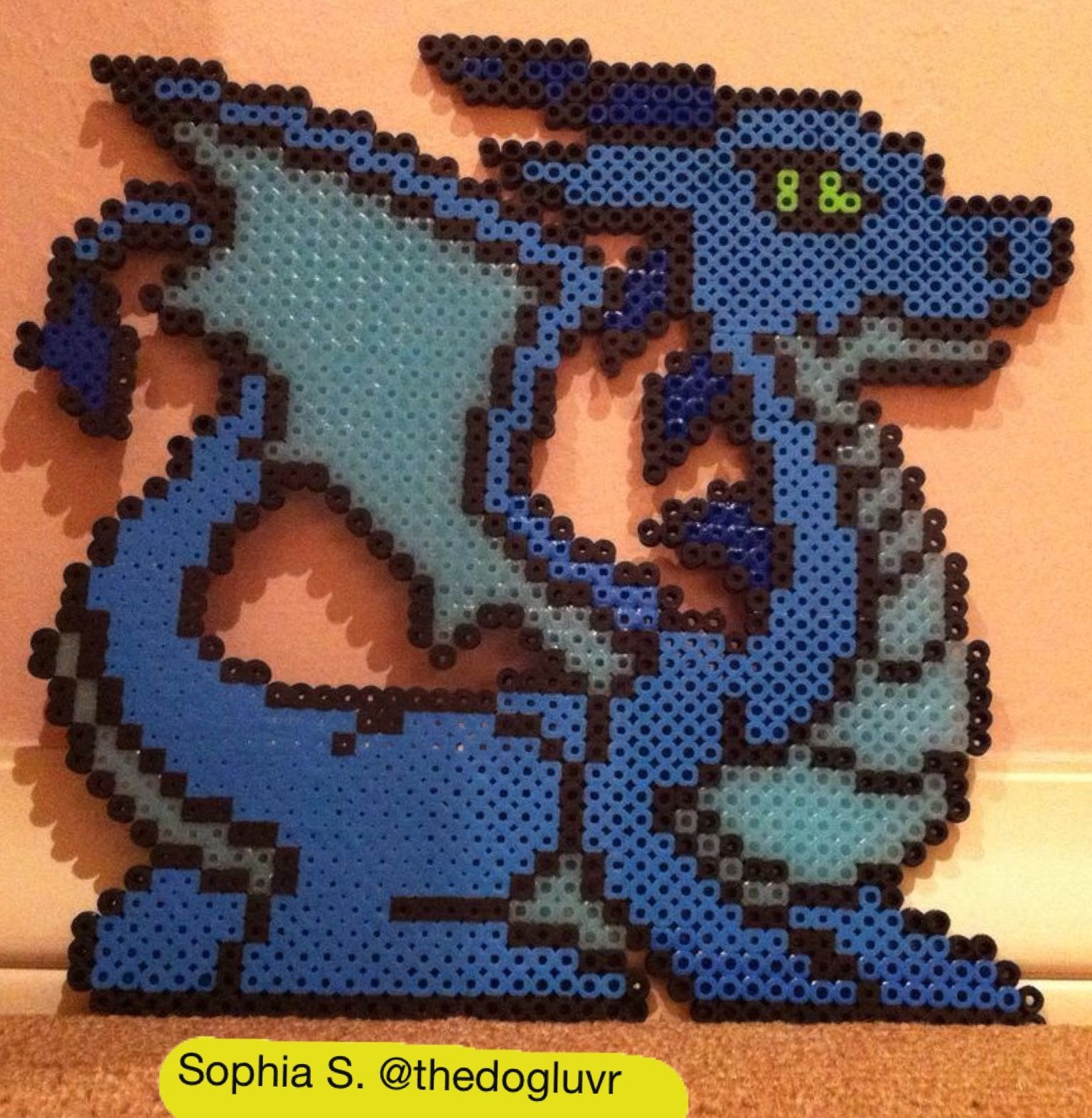 perler beads dragon by sophia s cosas que hacer. Black Bedroom Furniture Sets. Home Design Ideas