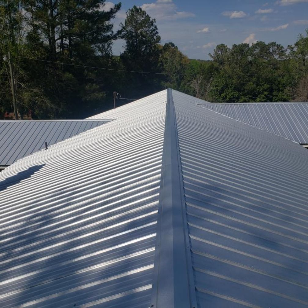 Beautiful Before And After Photos Of A Metal Roof We Installed Recently In Cartersville Ga Give Us A Call F In 2020 Roofing Commercial Roofing Roofing Contractors