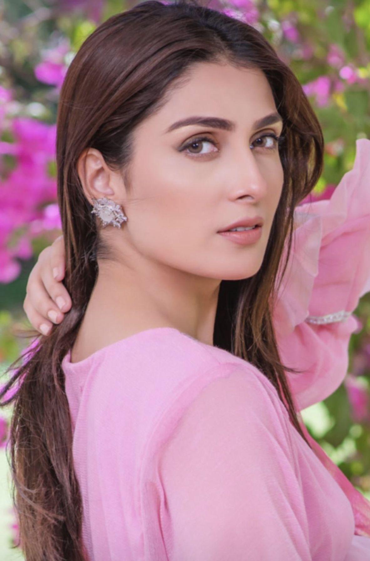 Pin by Sana 🍁 on Pakistani actress in 2020 Ayeza khan
