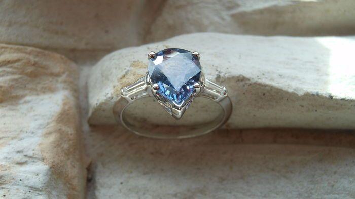 -Geen Reserve-2.65 CT-natuurlijke Violet Sapphire & Diamond Ring 14kt.  Presenteren we de mooie natuurlijke Violet Sapphire & Diamond RingNatuurlijke Center Violet Sapphire: 2.30ctsKleur: Violet (edelstenen zijn vaak behandeld ter verbetering van de kleur. Dit is niet onderzocht voor dit specifieke object.)Cut: Peer (10.02x8.01x3.40mm)Natural DiamondsKleur: FDuidelijkheid: SI2Knippen: stokbroodCarat: 0.35ctsTotaal # van stenen: 2Type metaal: 14K Solid White GoldGewicht in gram: 2.58…