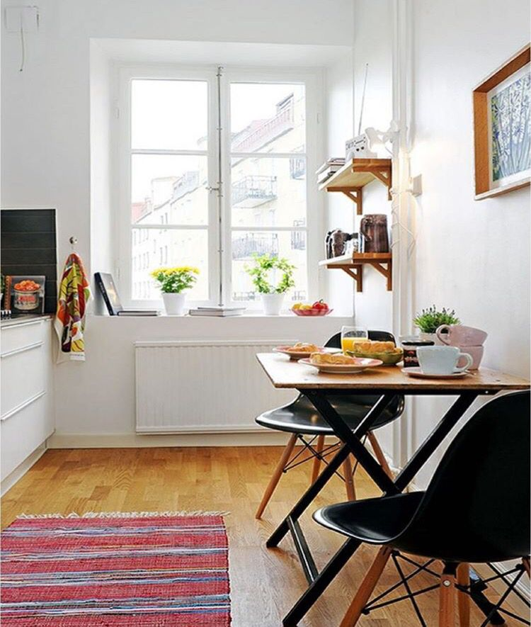 Simple colorful dining. | /flat.loft. | Pinterest