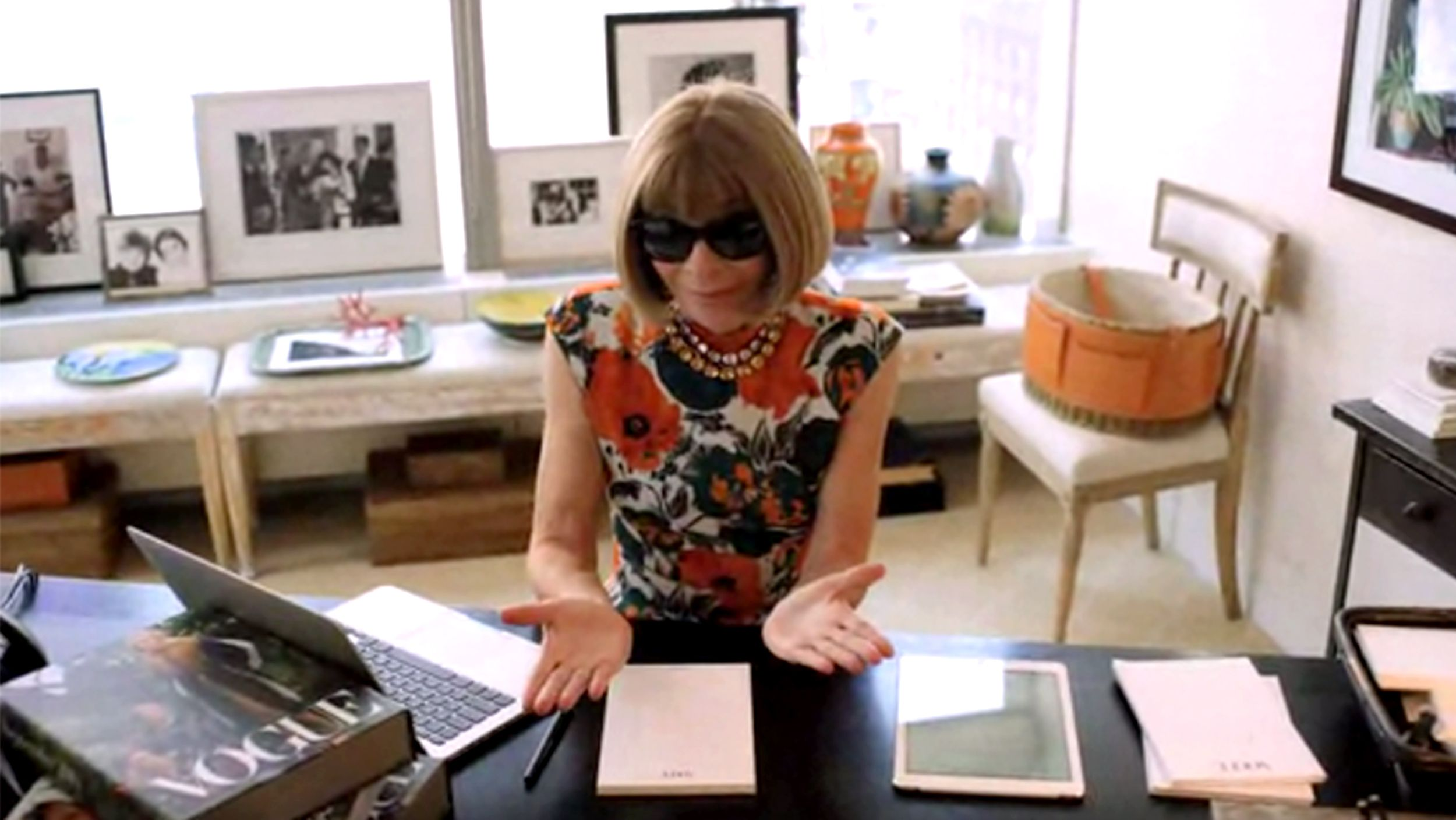 VogueS Anna Wintour Reveals The One Thing SheD Never Wear  Anna
