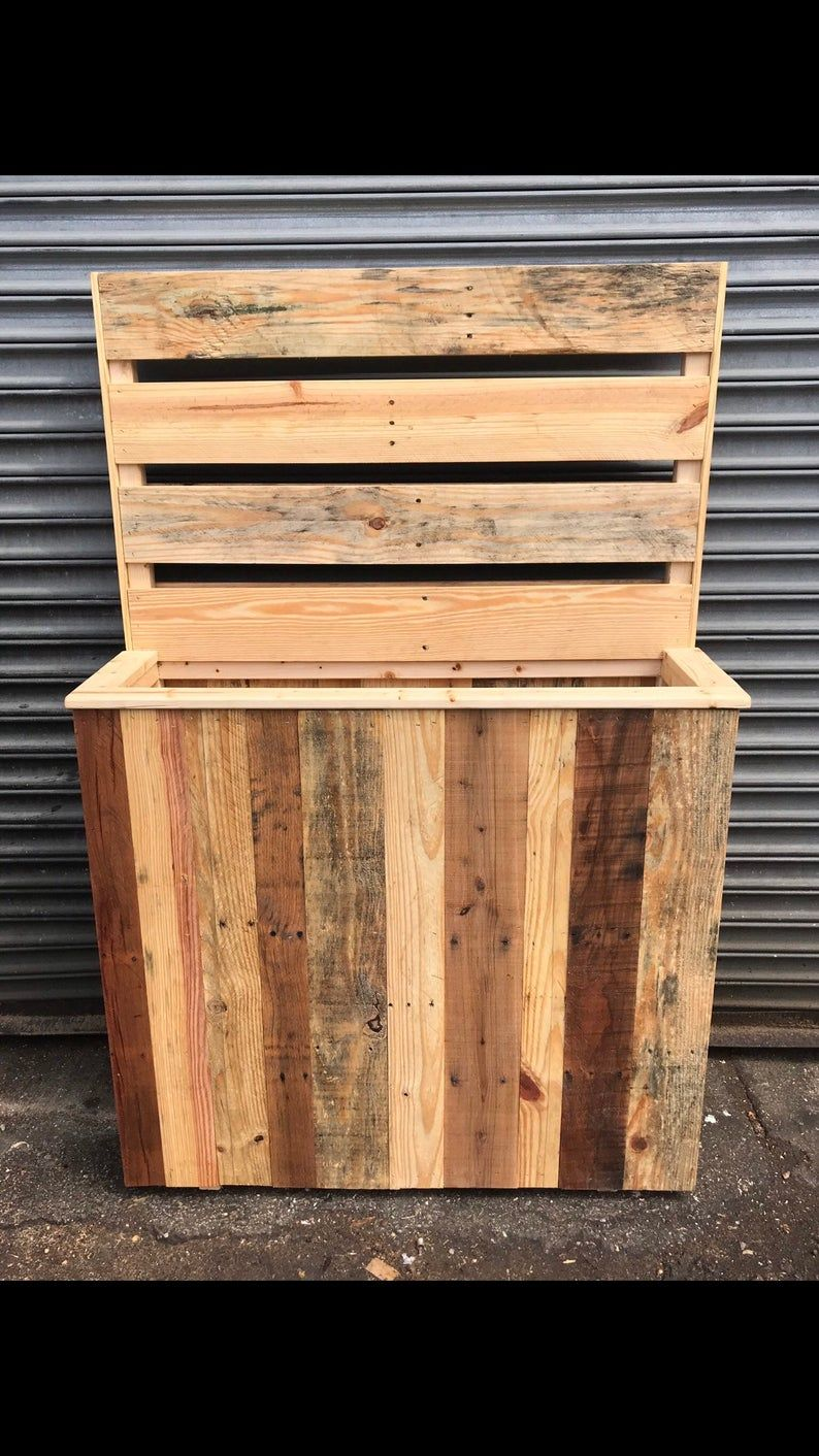 Reclaimed Pallet Wood Planter Box In 2020 Wood Planter Box Wood Pallets Wood Planters