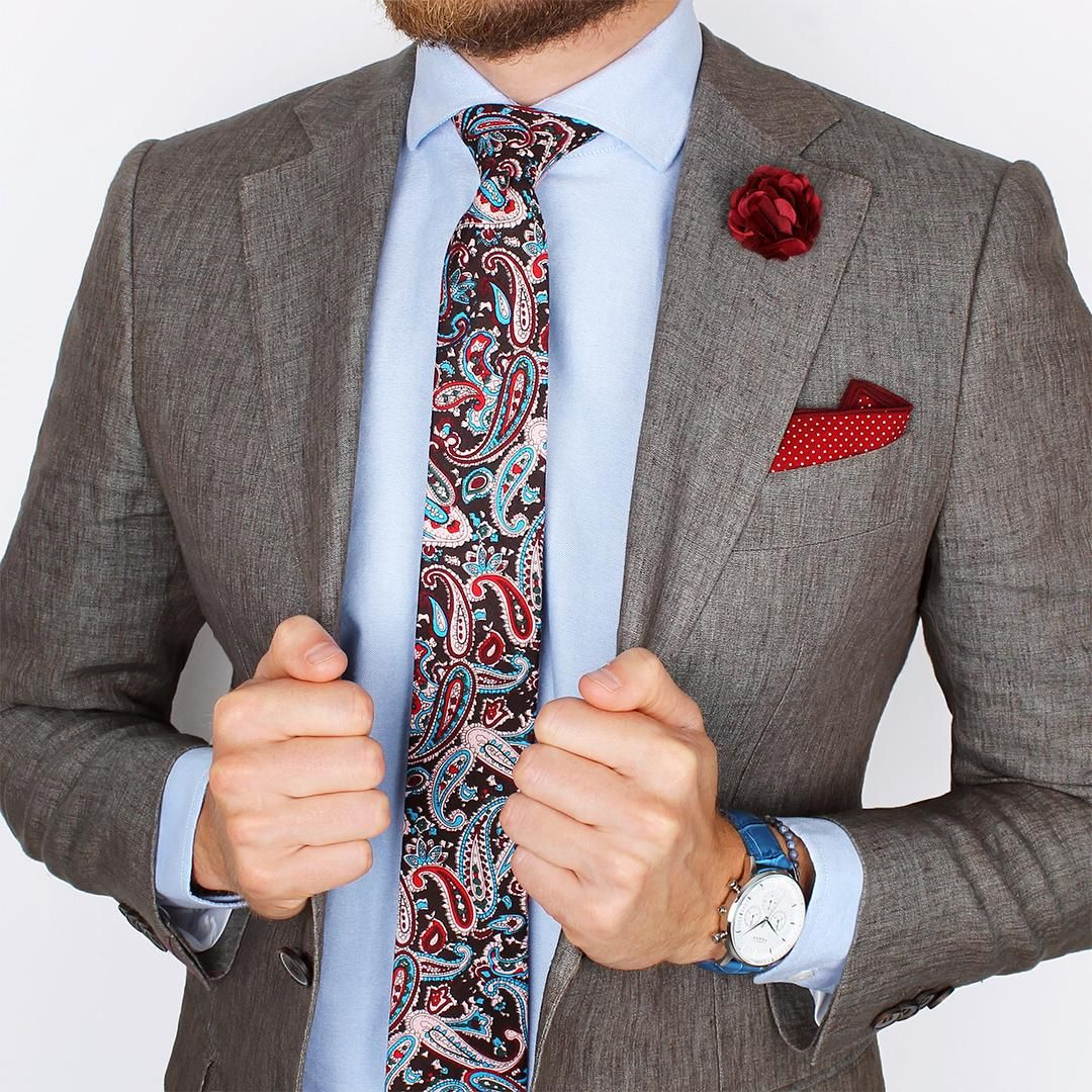 Blue oxford shirt and vermillion paisley tie accompanied for Oxford shirt with tie