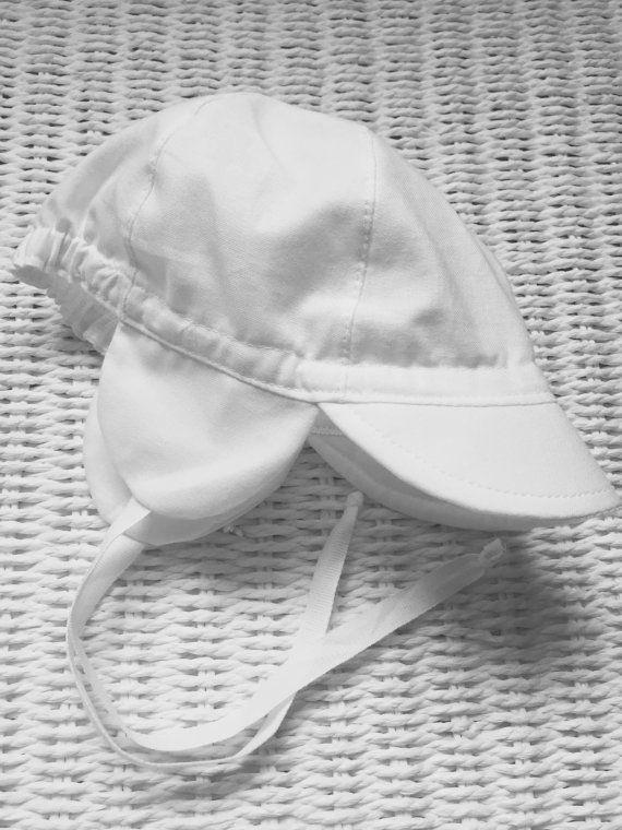 Estate cappello bianco / cappello con paraorecchie / di MadeByAdam