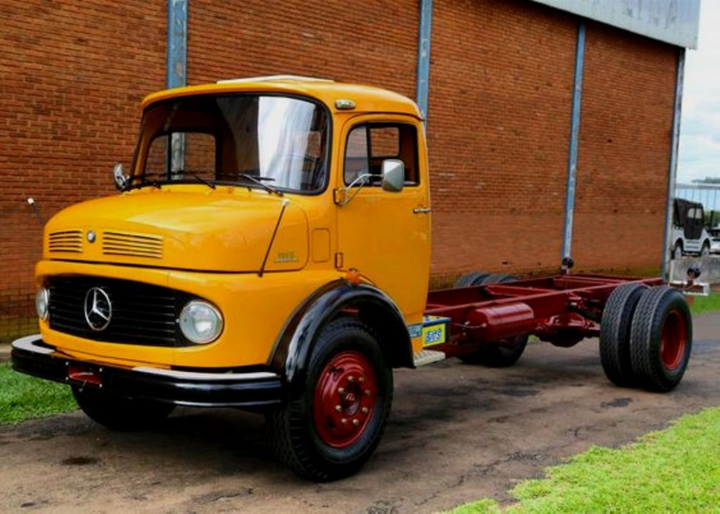 Mercedes Benz 1113 4x4 Cab Chassis With Images Mercedes