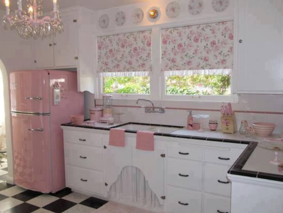 Retro Kühlschrank Real : Pretty in pink kitchen with a real flavour of disney princess