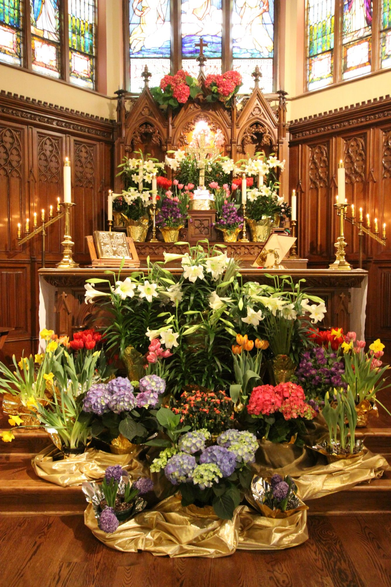 Easter Altar At Christ Episcopal Delavan Wi Church Worship Space