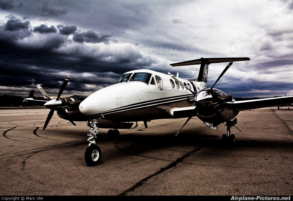 Private Beechcraft 200 King Air DIBSH Aviones