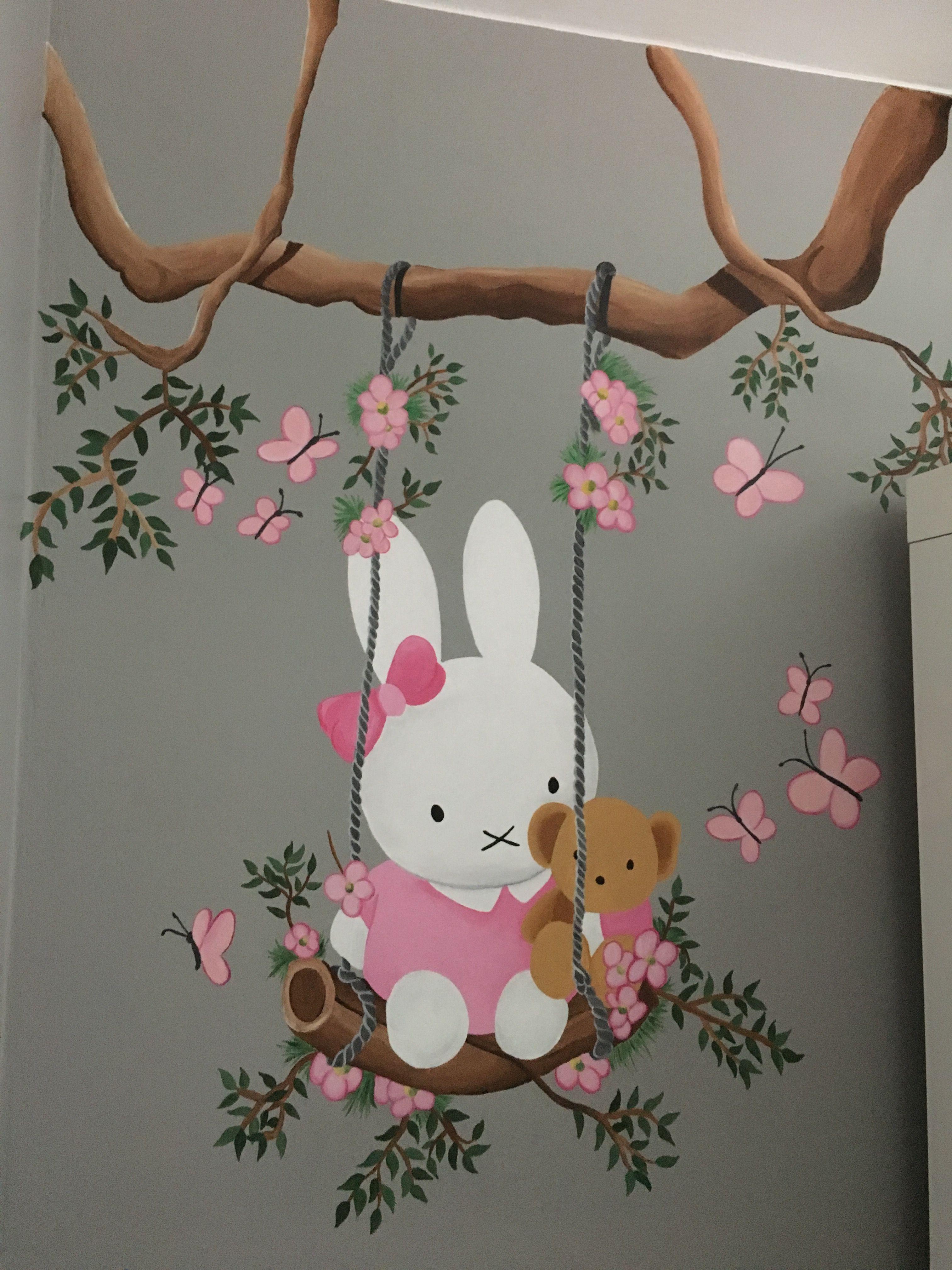 nijntje op schommel heb ik op mijn babykamer geschilderd slaapkamers voor kleine meisjes girls bedroom