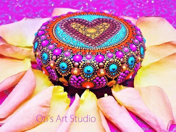 Mandala Stone- Hand Painted This precious stone was ...
