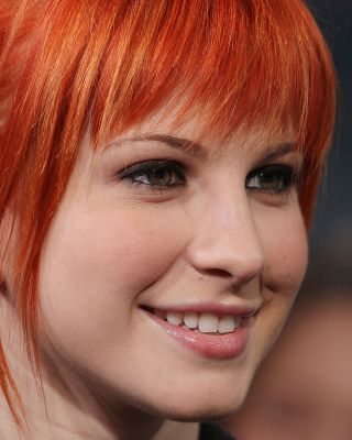 Hayley Williams Wallpaper for 480x640