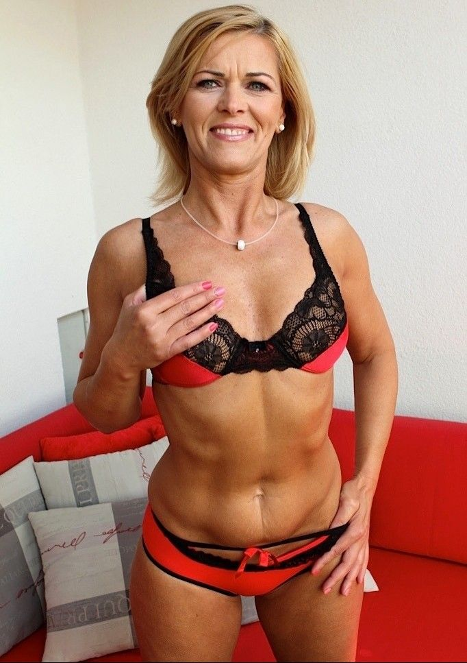 Mature Bra Galleries 121