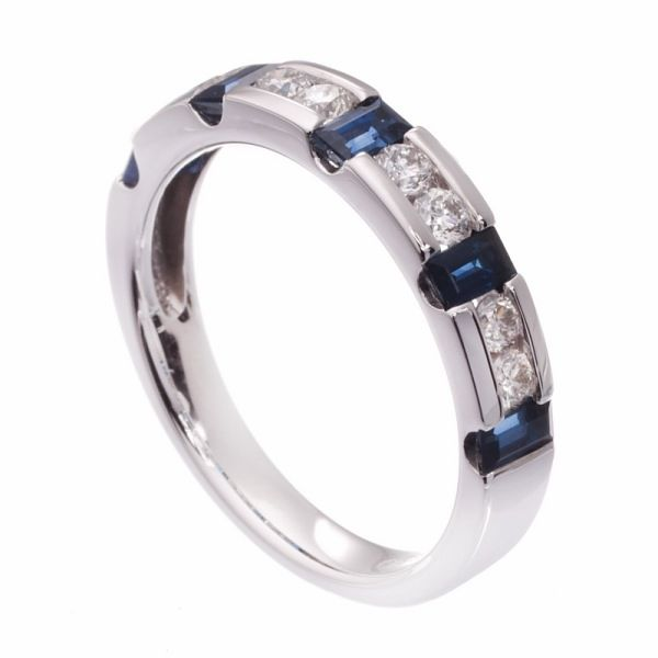 Diamantring m/safirer (My wedding band!)