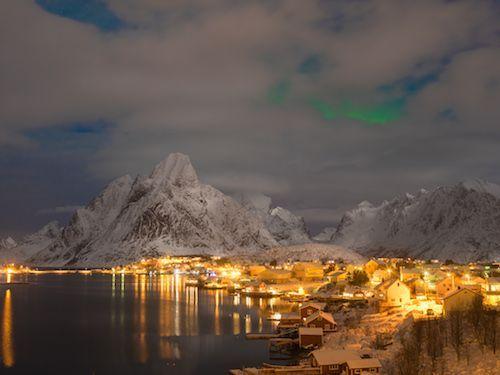 Si nos atenemos a las estadísticas, Noruega es el mejor país del mundo para vivir. Así lo certifica Naciones Unidas, pues por duodécimo año consecutivo el país nórdico encabeza el Índice de Desarrollo Humano entre 188 naciones del planeta.