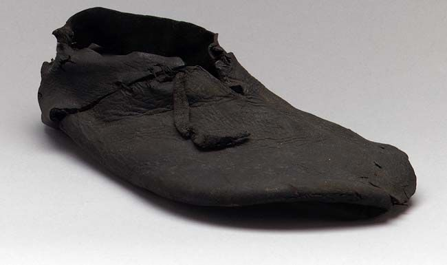 English Shoes From 16th Century Of Black Leather