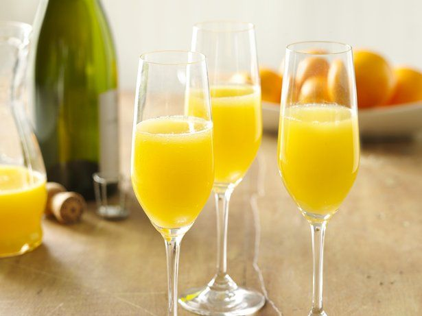 Brunch At Home How To Make The Perfect Mimosa Foodiecrush Com In 2020 Brunch Drinks Mimosa Recipe Easy Mimosa Recipe Champagne