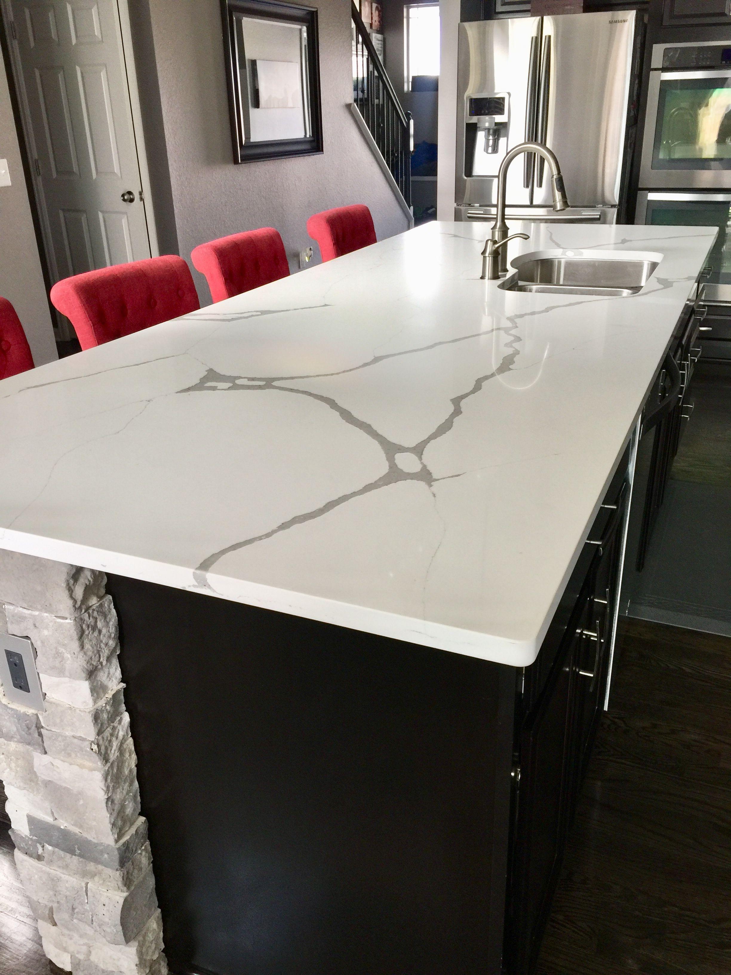 Arizona Tile Calacatta Quartz Counter Remodel In Love With This White Quartz With Gray Veins Wine Decor Kitchen Kitchen Design Decor Interior Design Kitchen