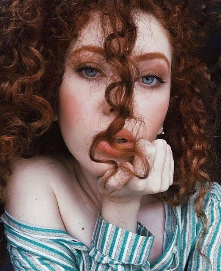 Ruivas   Rote haare blaue augen, Rote haare locken