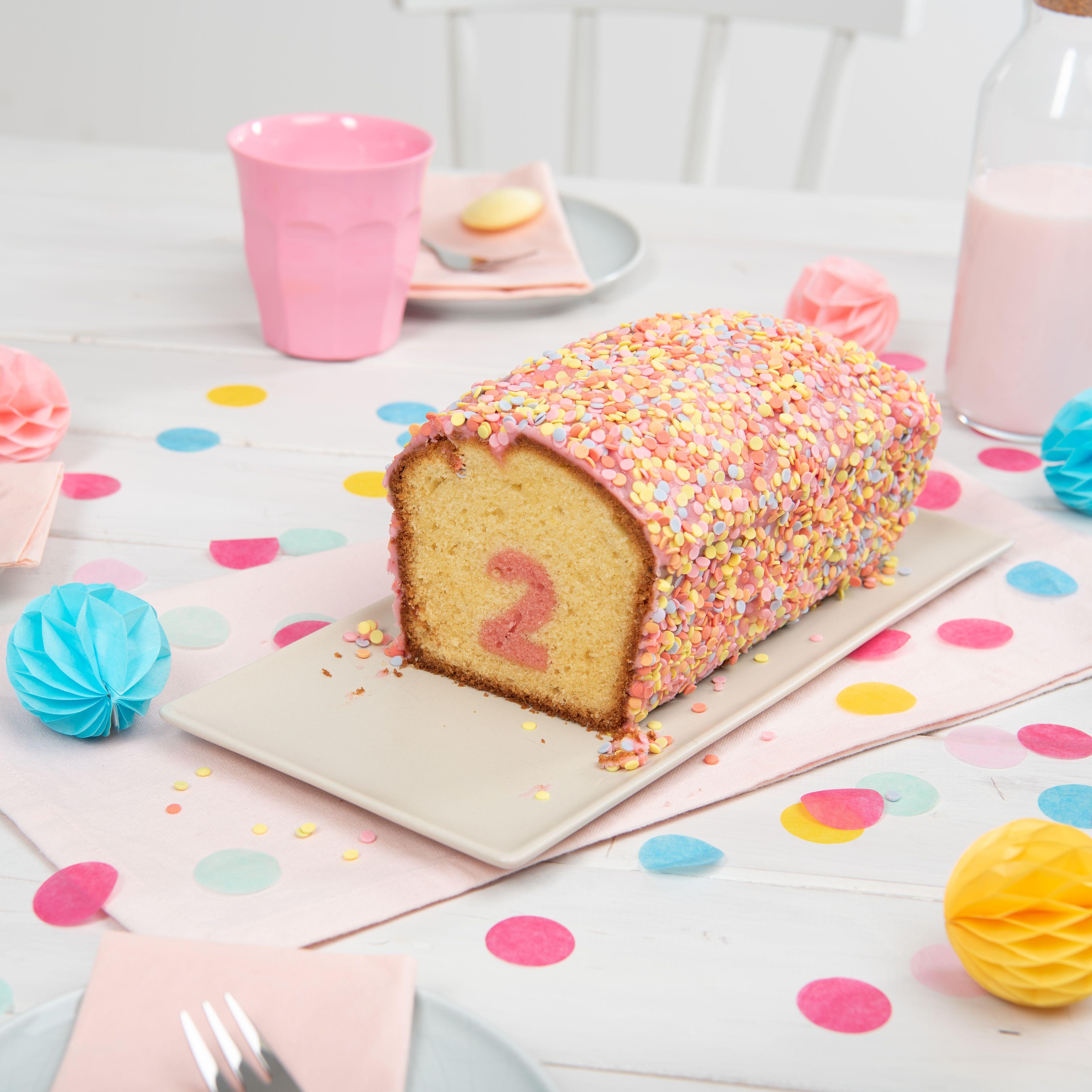Uberraschungs Kuchen Mit Zahl Rezept Von Backen De Rezept Uberraschung Kuchen Kuchen Kindergeburtstag Kinder Kuchen Geburtstag