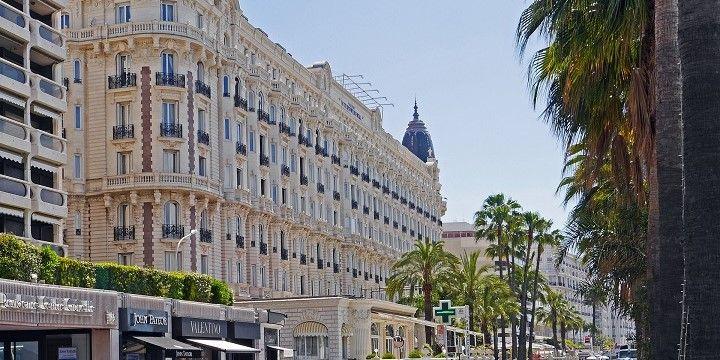 Boulevard de la Croisette, Cannes, French Riviera, France, Europe