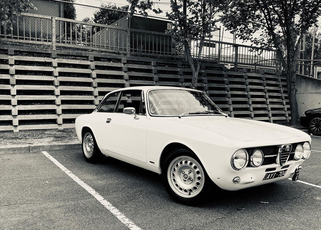 Michael Walasはinstagramを利用しています Just At The Supermarket But I Can T Stop Looking At It Alfa1750gtveloce Alfa17 In 2020 Supermarket Car Manufacturers Sport Cars