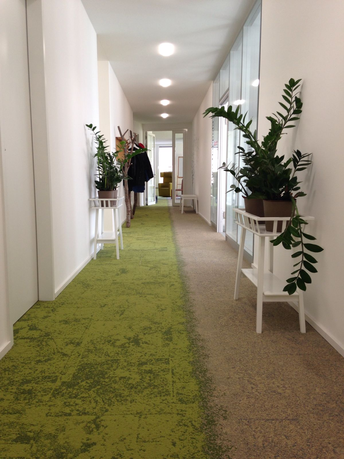 Coworking space combinat in munich carpet tile collection urban retreat interface - Corridor tapijt ...