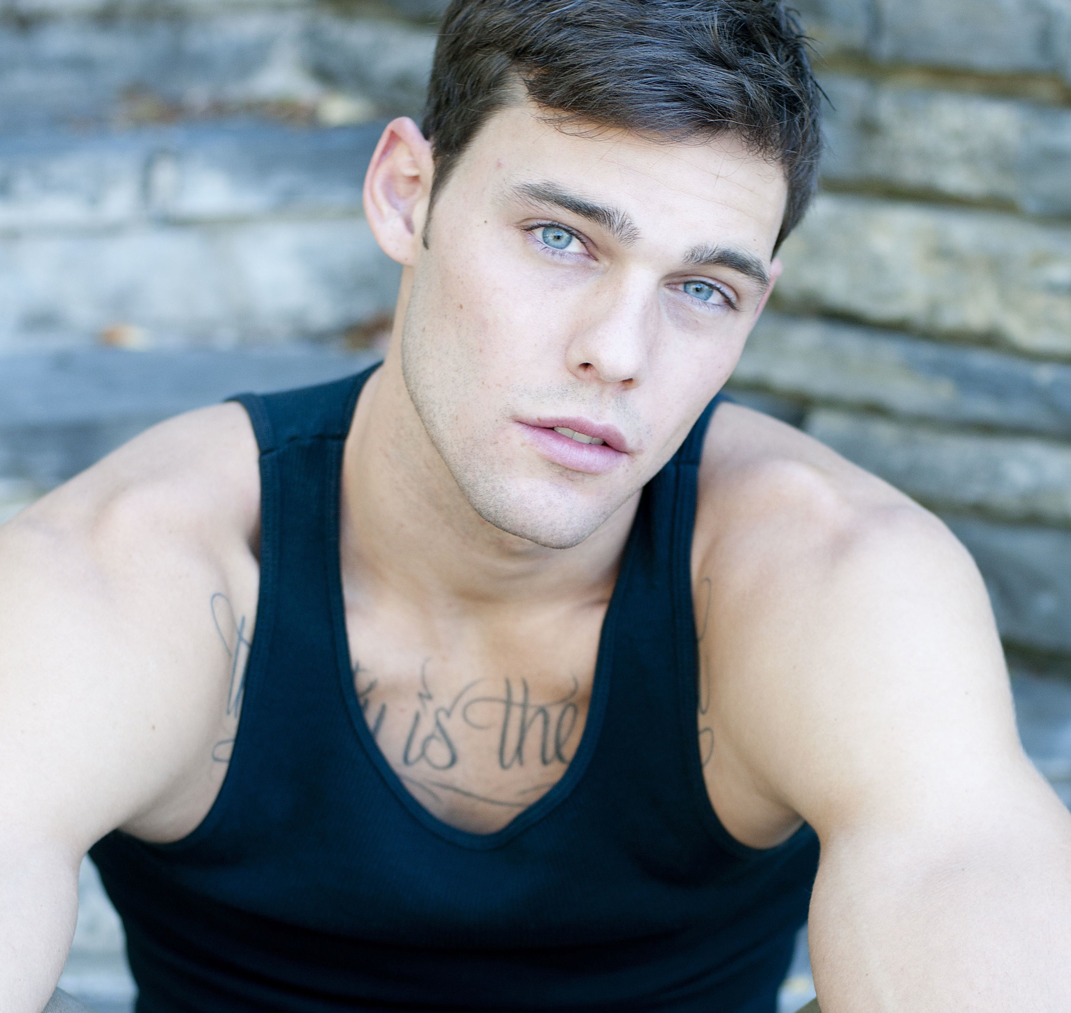 holden nowell clip call me maybe men