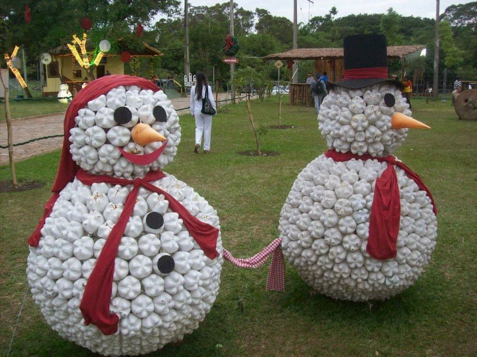 Snowman made from plastic bottles holiday crafts and for Plastic bottle decoration images