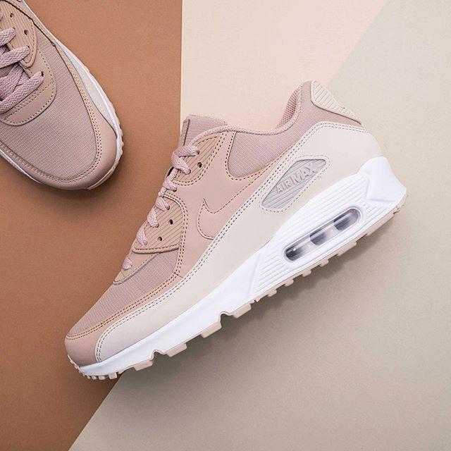 best website bb776 f75a0 Nike Air Max 90 Essential - 537384-087 •• Ännu en bra färgcombo på