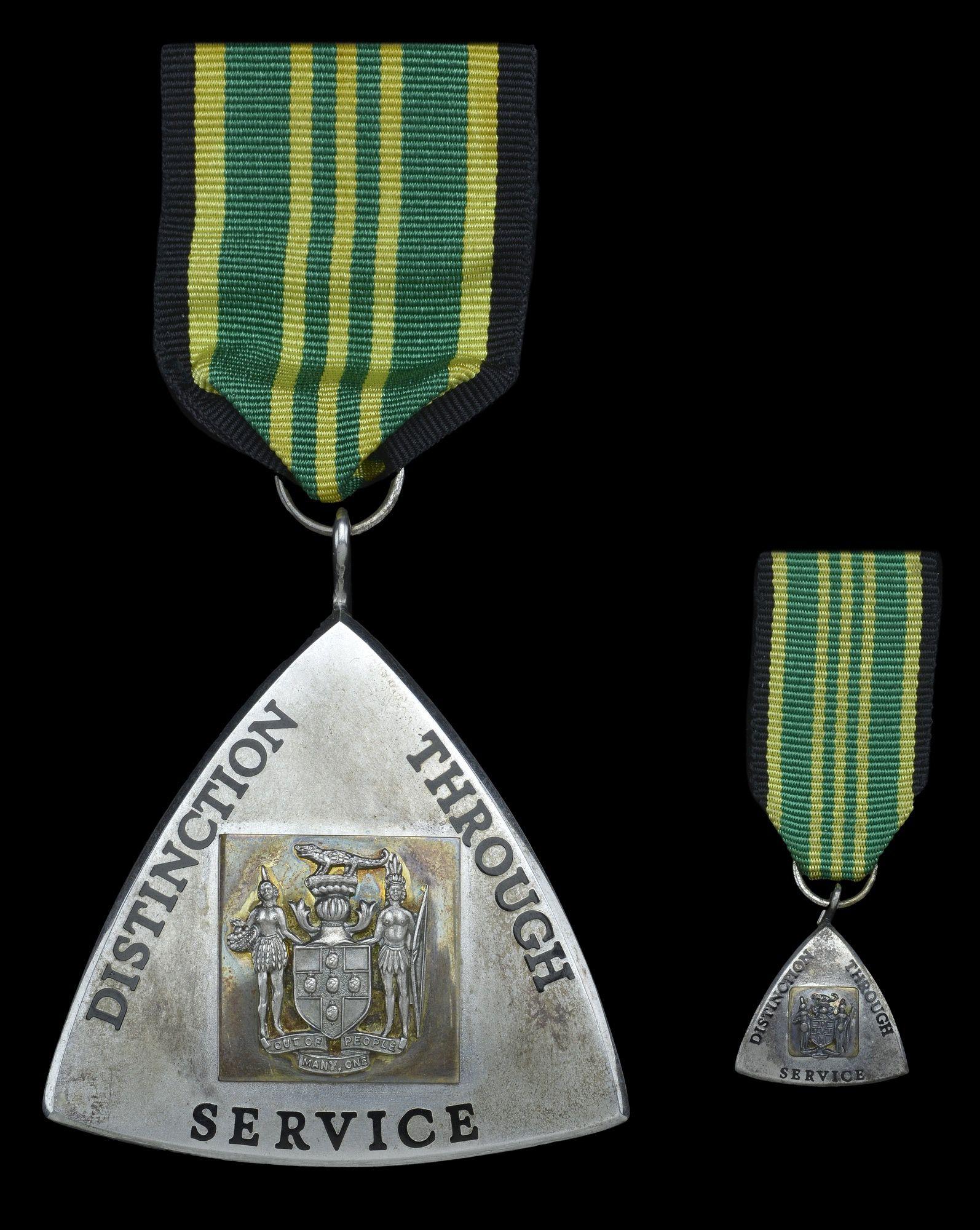 JAMAICA - Order of Distinction, Officer's breast badge