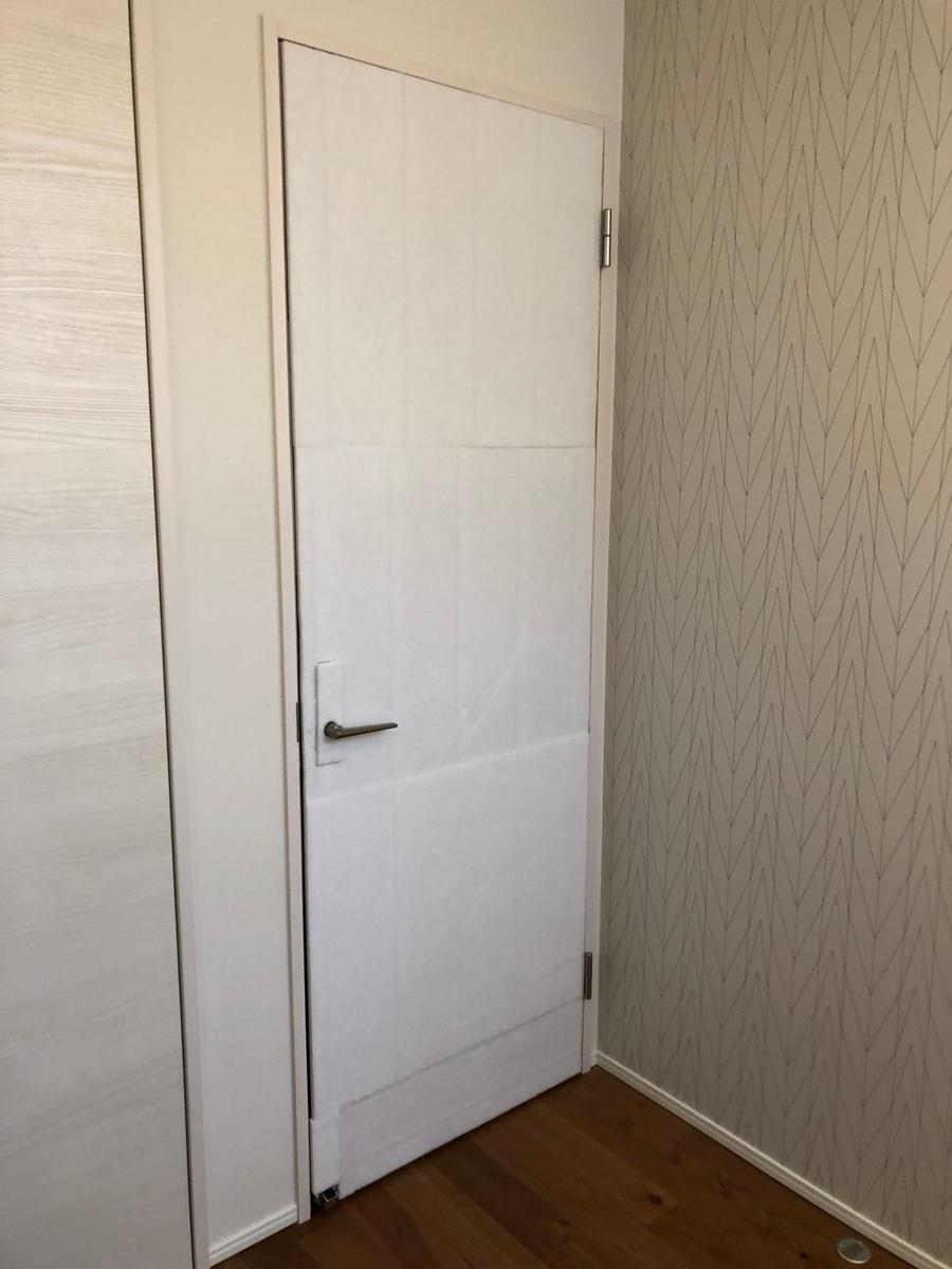 防音ドアを簡単自作diy 扉の隙間を埋め 遮音シート 吸音材を貼り付けました たてかすさんちのおうちごと 防音