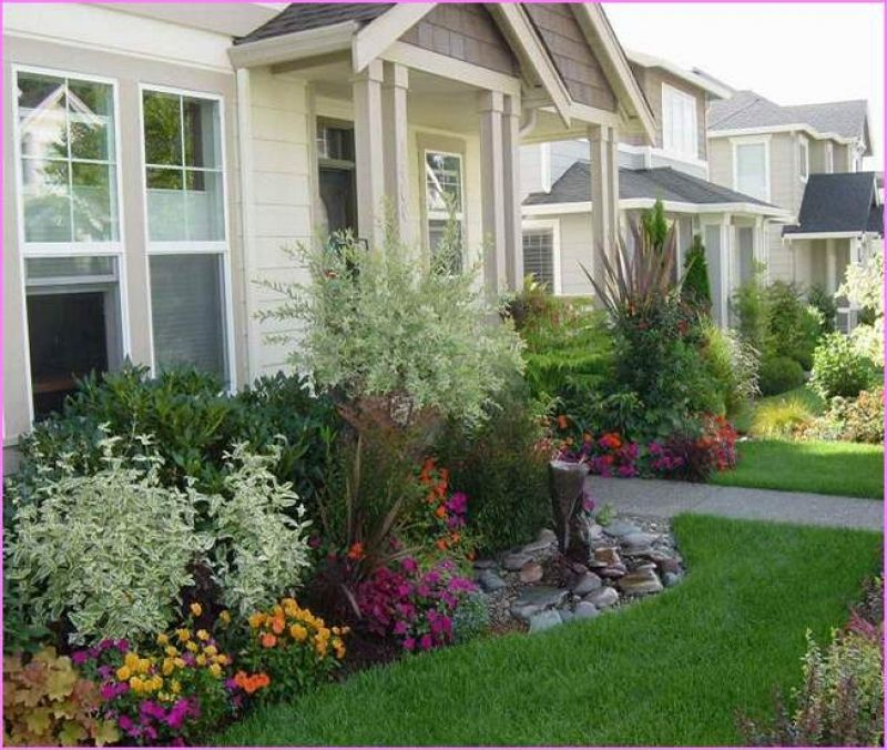 Front House Landscape Design Ideas: Landscaping Ideas For Small Front Yard Townhouse Home