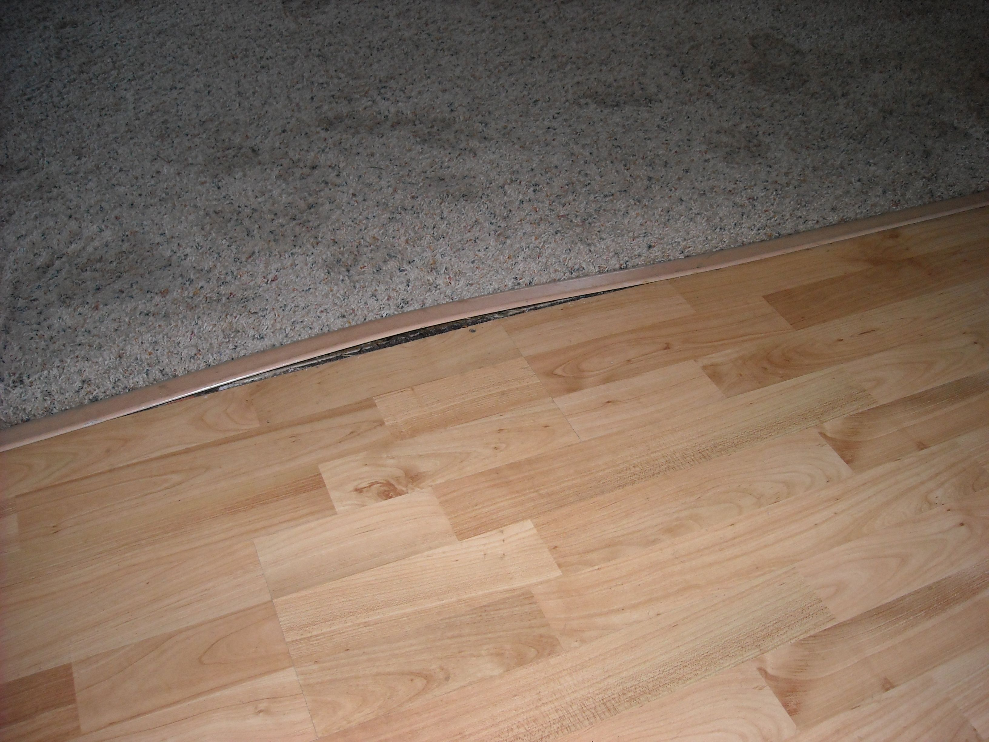 Pergo Outlast Vintage Pewter Oak 10 Mm Thick X 7 12 In Wide Inside Dimensions 1000 Auf Laminate Flooring Water Damage