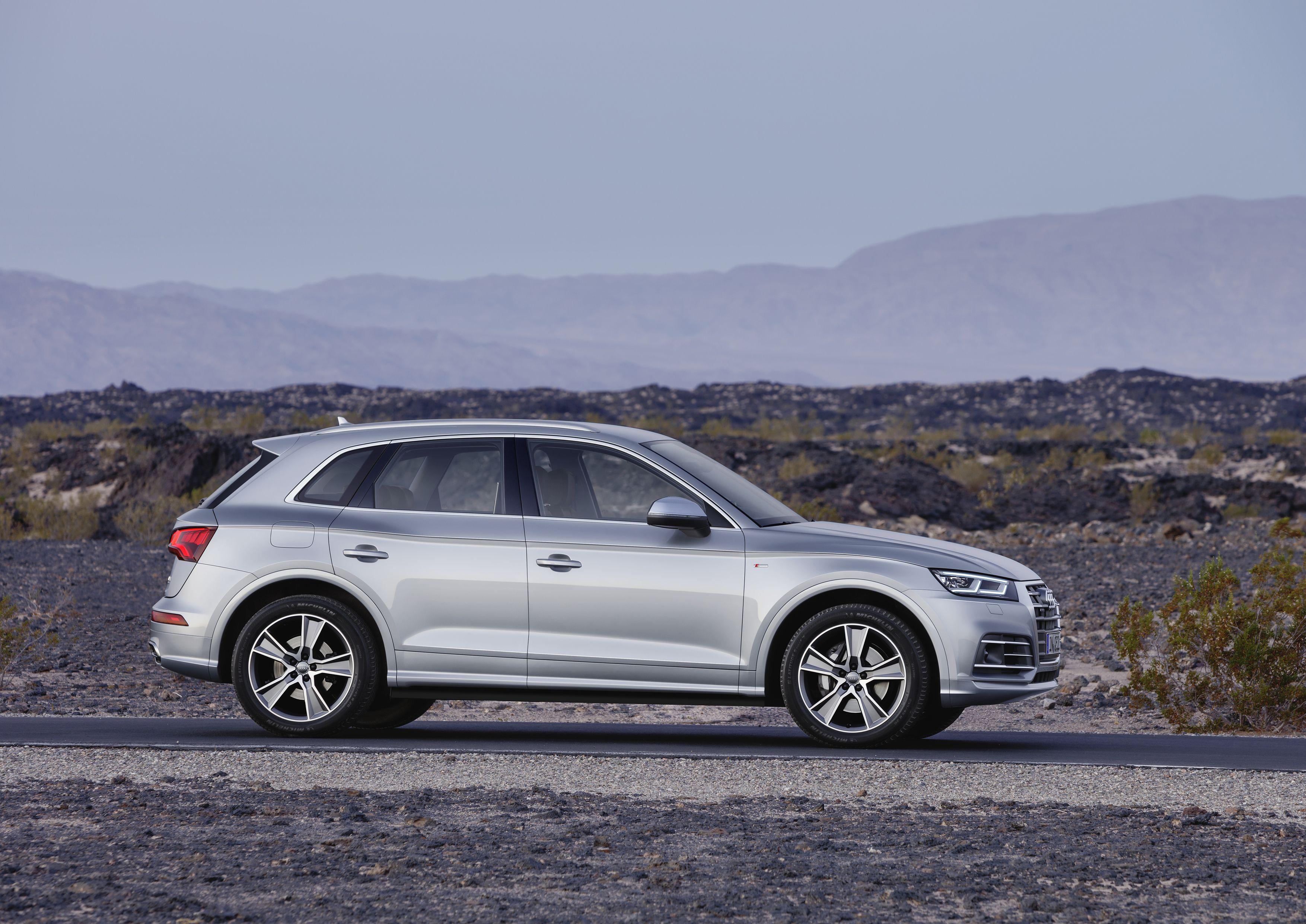Video Carwow Reviews The New Audi Q5 Audi Pinterest Audi And Cars