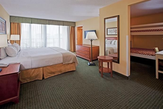 World Hotel Finder Holiday Inn Hotel Suites Clearwater Beach