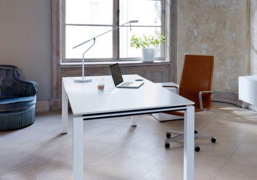 Chefzimmer Plano - hund Büromöbel, geradliniges Schreibtischprogramm ...