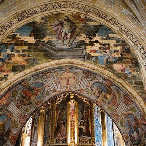 Convento de Cristo #tomar #portugal #portugal_lovers #portugal_de_sonho #portugal_em_fotos #portugaldenorteasul #igersportugal #ig_portugal #worldheritage #patrimoniounesco #patrimoniomundial #patrimoniocultural #unesco #unescoworldheritage #instatravel #travel #viagem #turismo #visitportugal