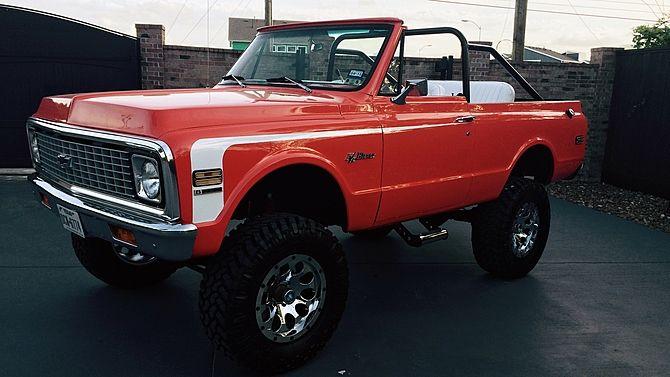 1972 Chevrolet K5 Blazer Resto Mod 350 Ci 6 Inch Lift Presented As Lot S221 At Houston Tx 2015 Image1 Chevy Trucks Chevy K5 Blazer