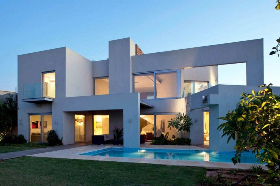 DOMB Architects designed the DG House in Ramat-Hasharon, Israel.