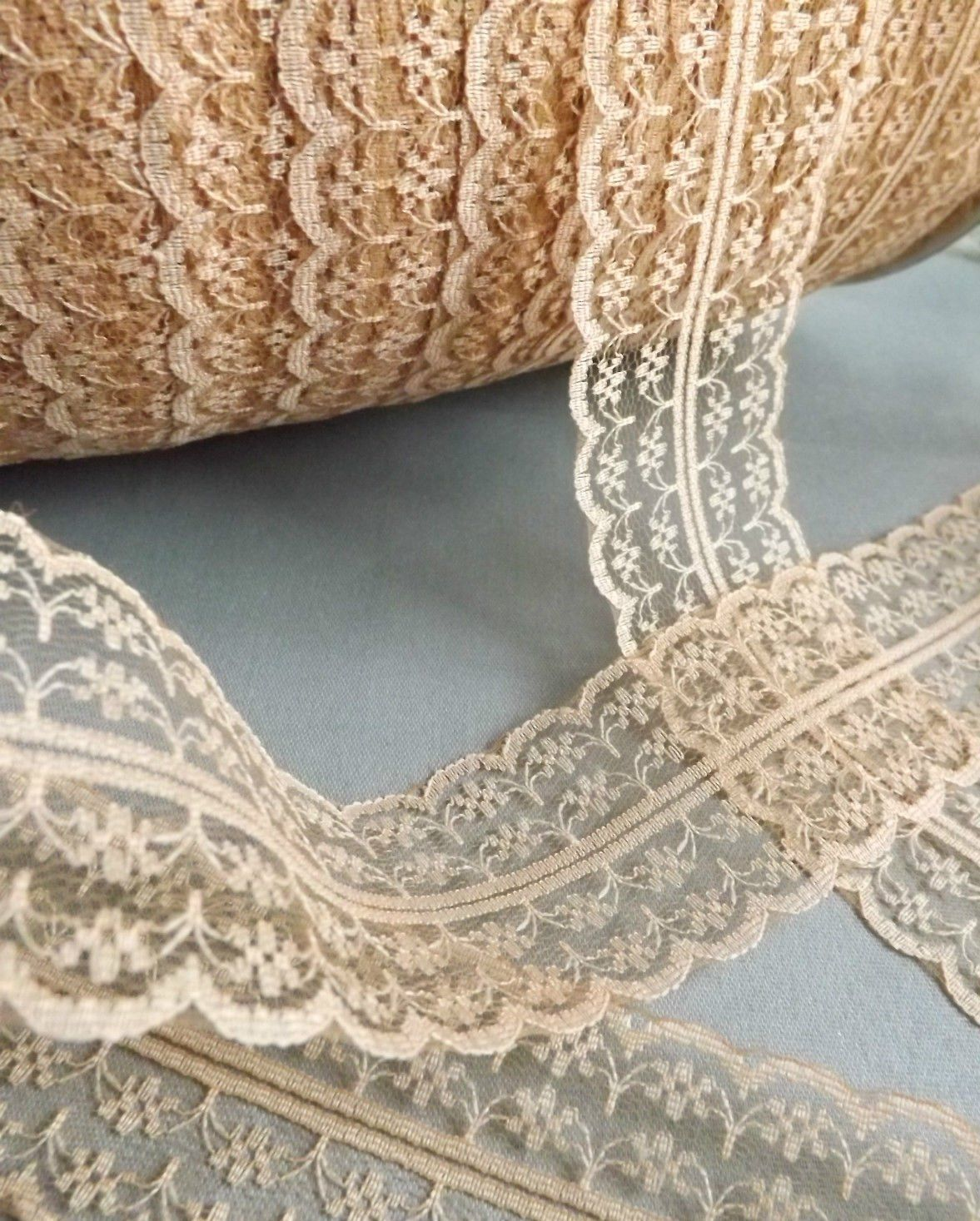 Ribbon Queen Vintage Style Lace Ribbon Trimming Bridal Wedding Scalloped Edge 47mm Vintage Cream Amazon Co Uk Kitchen H Lace Fabric Trimmings Lace Ribbon
