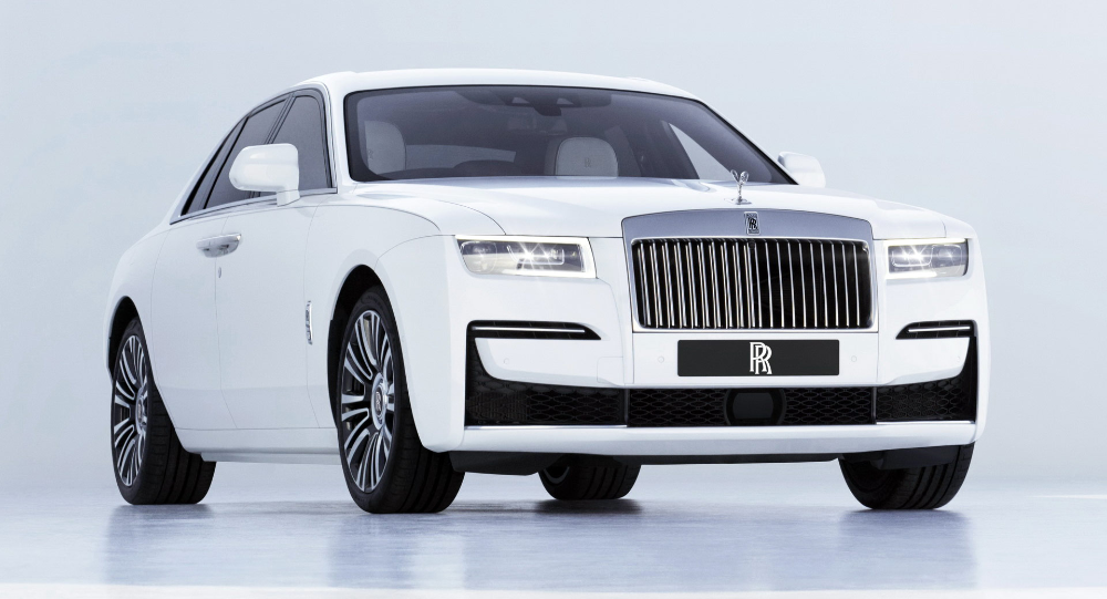 The All New 2021 Rolls Royce Ghost Will Spoil You For Choice Carscoops Rolls Royce New Rolls Royce Rolls Royce Phantom