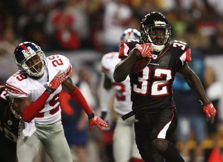 Jerious Norwood Atlanta Falcons Rb A Native Of Jackson Ms Falcons Ny Giants Falcons Football