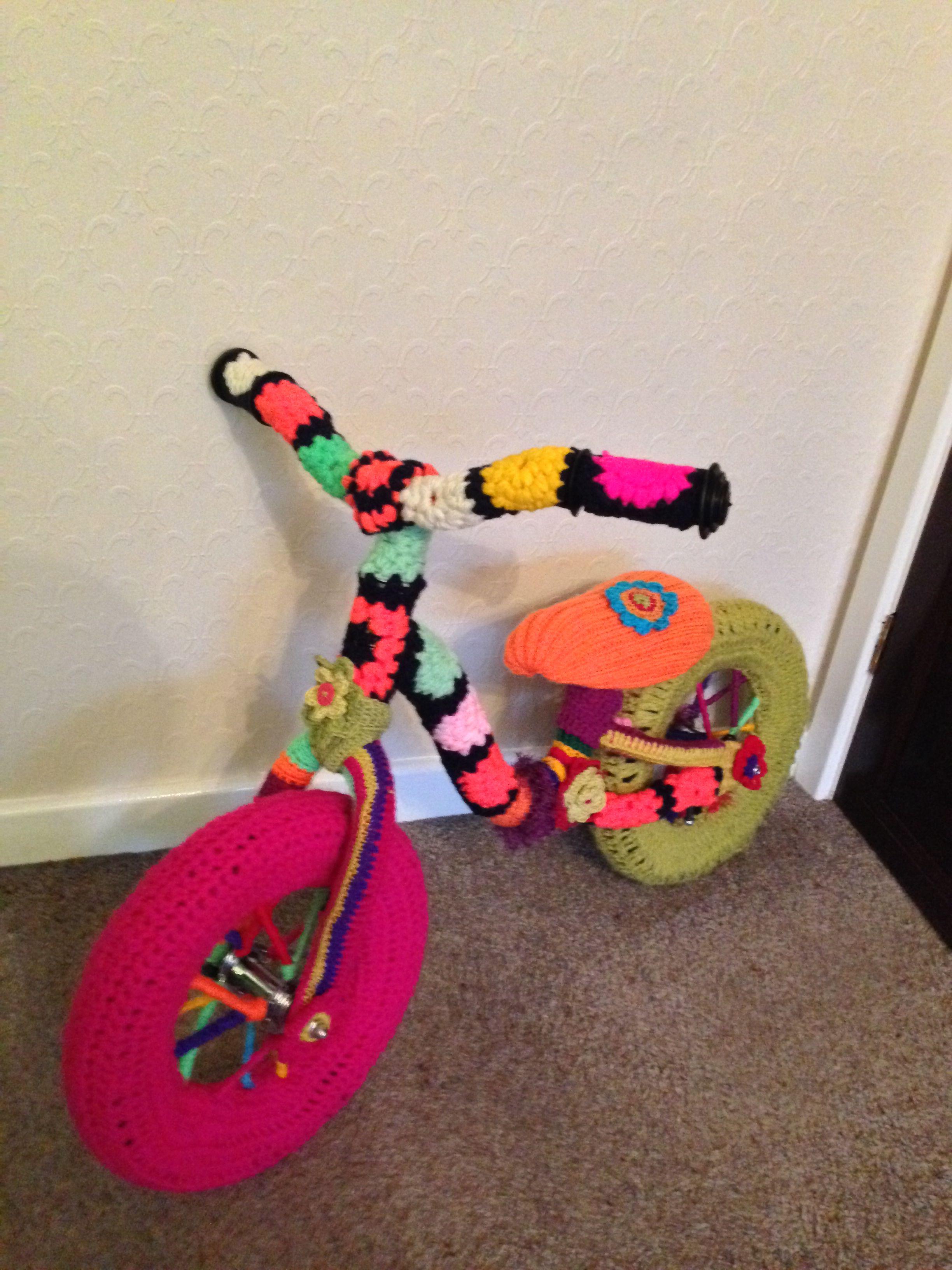 My yarn bombed bike