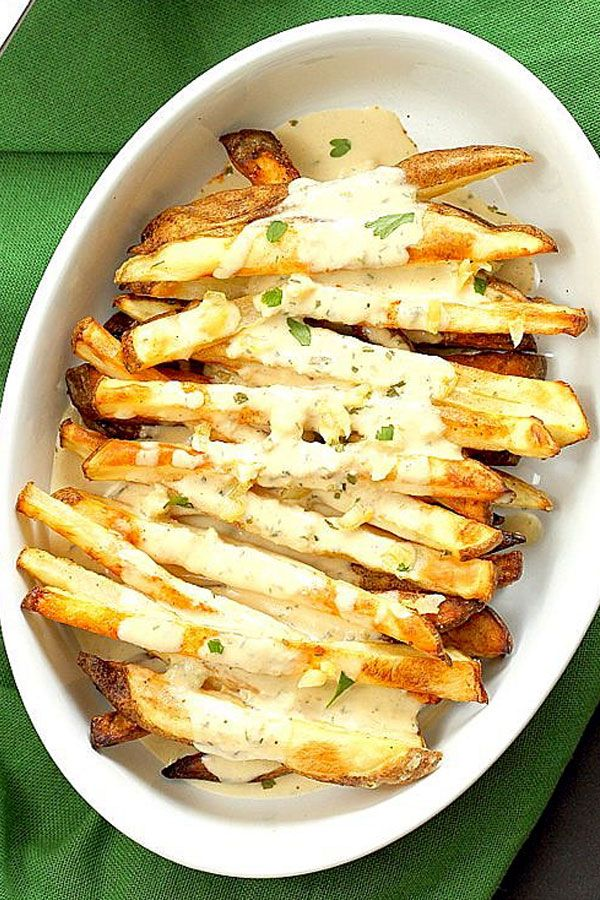 BAKED FRIES WITH GARLIC SAUCE - Baked Fries with Garlic Sauce and Oregano. Baked potato wedges serv