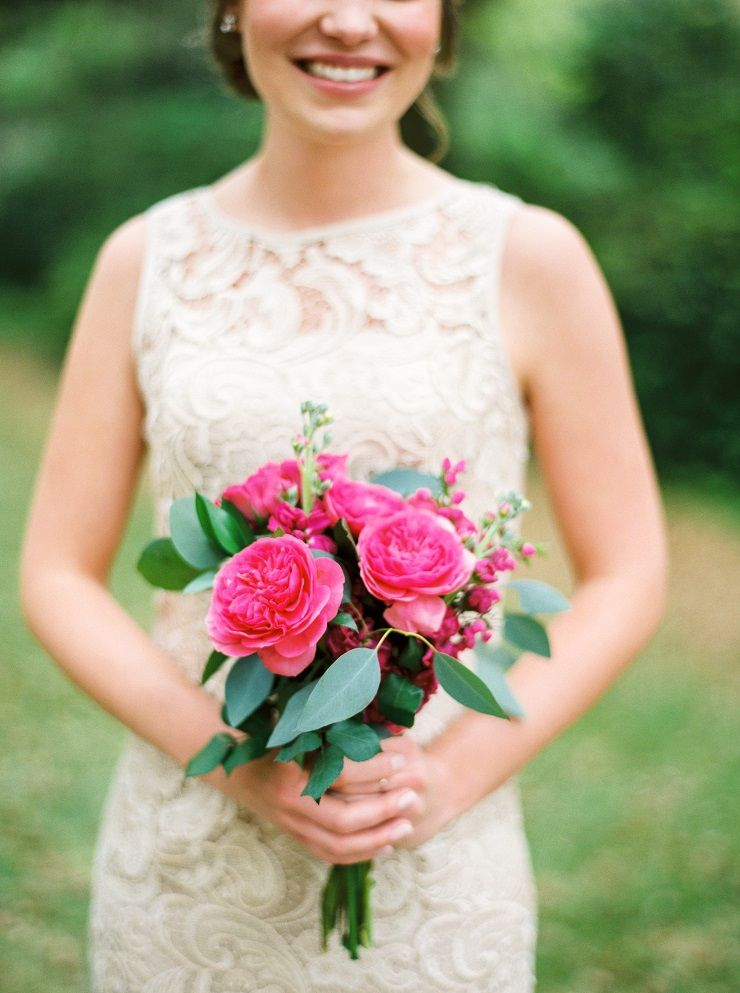 Neutral lace bridesmaid dress + bright pink bouquet | fabmood.com