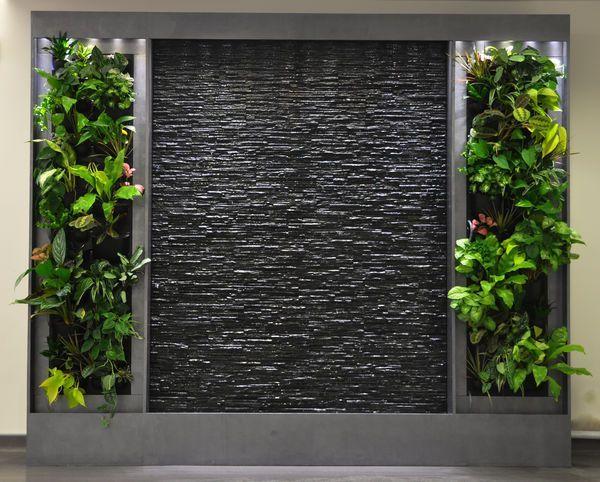 Resultado de imagen para dise o de interior con pared de for Cascada artificial en pared