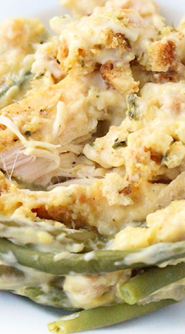 Creamy Crockpot Chicken Stuffing and Green Beans #crockpotmeals
