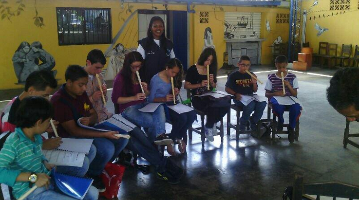Ninos y jóvenes de Bello continúan aprendiendo música. Casa de la Cultura de Bello y el programa #Becas @MLPiraquive