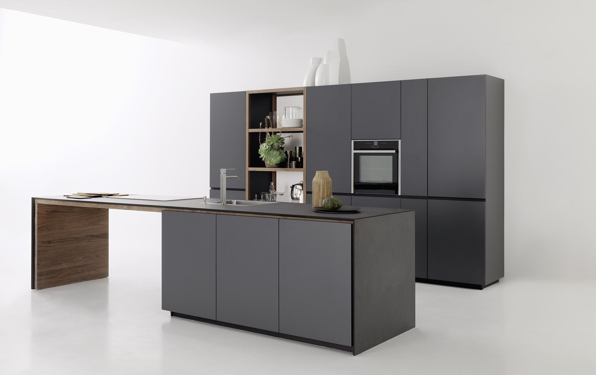 Fitted Kitchen With Lacquered Doors FORMA MENTIS   LACQUERED DOOR By  VALCUCINE